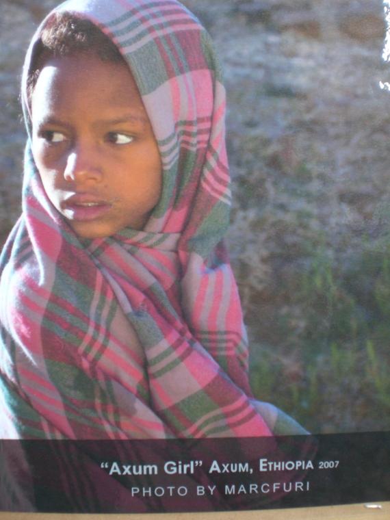 Axum girl – foto of aposter