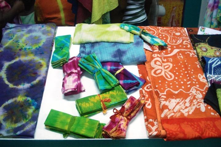 tie dye cloth at guyexpo2007